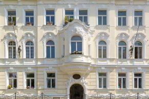 ALDURA Rahmenpfostenfenster - Rundbogen | Teilsanierung mit Komplettfenstertausch | Wien